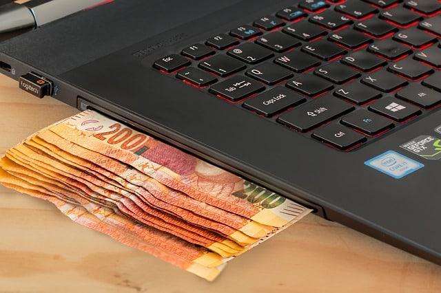 e-commerce in Italia: record di fatturati milionari su eBay