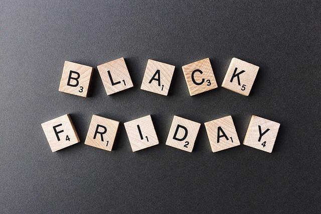 Black Friday, al via i saldi fuori stagione